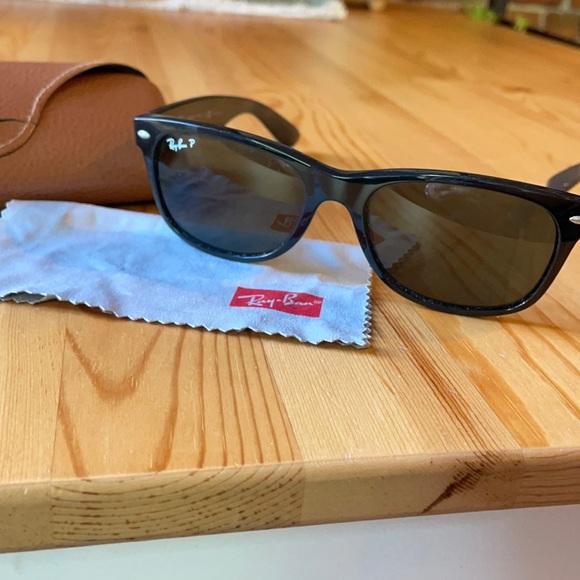 Ray ban polarized wayfarer sunglasses